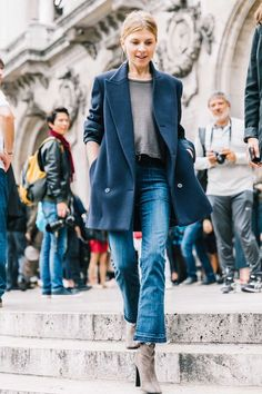 Long blazer and boots