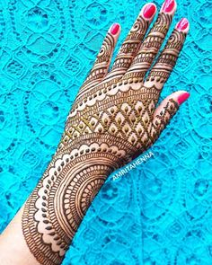 Gorgeous Indian mehndi designs for hands this wedding season Mehndi Designs For Kids, Indian Mehndi Designs, Mehndi Designs Feet, Back Hand Mehndi Designs, Latest Bridal Mehndi Designs, Mehndi Designs Book, Unique Mehndi Designs, Wedding Mehndi Designs, Beautiful Mehndi Design