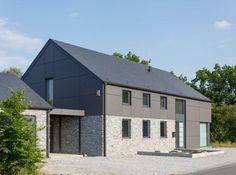 Dimitri – Maison partiellement en pierre avec intérieur bois.