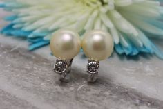 Vintage Marvella Pearl & Rhinestone earrings clip by TheHavenFinds