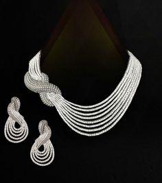 An exquisite necklace by preeti singh @ nikites com Bead Jewellery, Pearl Jewelry, Indian Jewelry, Wedding Jewelry, Seed Bead Jewelry, Beaded Jewelry, Handmade Jewelry, Dress Jewellery, Designer Jewellery