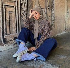 Best Over 50 plus Women's Fashion Ideas - Fashion Trends Modern Hijab Fashion, Street Hijab Fashion, Hijab Fashion Inspiration, Muslim Fashion, Modest Fashion, Women's Fashion Dresses, Fashion Fashion, Fashion Ideas, Modest Dresses