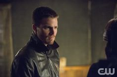 "Arrow -- ""The Magician"" -- Image AR304b_0128b -- Pictured: Stephen Amell as Oliver Queen -- Photo: Cate Cameron/The CW -- © 2014 The CW Network, LLC. AllRights Reserved.pn"