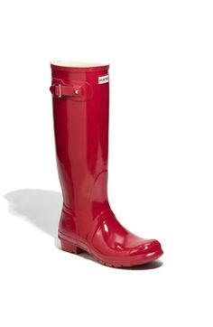 i've been dreaming of shiny red rain boots since age 10. thank you hunter.