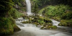 Water can splish, splash, babble, rush, roar or thunder. The Three Waterfalls Trail offers an exhilarating hike from Bönigen via Iseltwald to Brienz. The hike. Waterfall Trail, Hotels, Best Seasons, Forest Path, Fairytale Castle, Natural Scenery, Mountain Landscape, Grand Hotel, Plan Your Trip