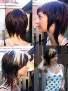 Modern Mullet Emo Girl Hairstyles pictures This cut works beautifully on fine hair. It's a short, edgier twist on layers that give you more volume. Hair that's too thick ends up looking like a mullet. Short Emo Hair, Short Hair Dont Care, Short Hair Styles, Short Bangs, Emo Girl Hairstyles, Cool Hairstyles, Hairstyles Pictures, Modern Mullet, Asymmetrical Hairstyles