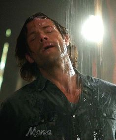 """[via GIPHY] """"Cold shower?"""" Pretty smart tho because Lucifer burns cold and this would be the closest thing to breaking someone who was tormented by him. Don't know how BMOL would ifnd that out though. Repost - confused at ur comment. Not just cold water. Jensen Ackles Jared Padalecki, Jared Padalecki Supernatural, Jared And Jensen, Sam Winchester Gif, Winchester Brothers, Supernatural Pictures, Supernatural Gifs, Castiel, Sherlock John"""