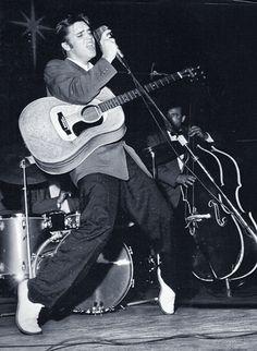 Canal Electro Rock News: Há 81 anos nascia Elvis Presley
