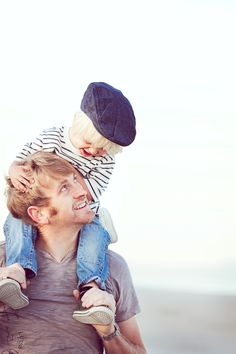 father and son :) .... Really want to do this shot! :) Mom Love| DIY| Family life| Best Mom Ever| Happiness| Love it! Dad and baby| Great picture| Best Idea| Cool Shot