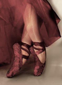 Inspiration for Secret Garden 2017 from Suspiro Jewels Pantone 2015, Pantone Color, Shades Of Burgundy, Burgundy Wine, Marsala, Pointe Shoes, Dance Shoes, Toe Shoes, Bordeaux