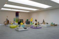 """Vue de l'exposition Bruno Peinado """"l'écho / ce qui sépare"""", Frac de Carquefou, 2014. cliché: Marc Domage."""
