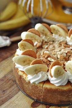 Bourbon Banana Pudding Cheesecake - The Candid Appetite bread cake healthy muffins pudding recipes chocolat plantain recette recette Banana Pudding Cheesecake, Banana Pudding Recipes, Cheesecake Recipes, Cookie Recipes, Dessert Recipes, Chocolate Banana Pudding, Parfait Recipes, Homemade Cheesecake, Cheesecake Cookies