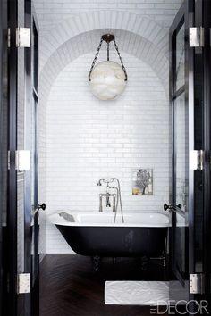 Black and White bathroom with Subway Tile via Elle Decor Serene Bathroom, Beautiful Bathrooms, Bathroom Interior, Home Interior, Interior Design, White Bathrooms, Loft Bathroom, Bathroom Black, Luxury Bathrooms