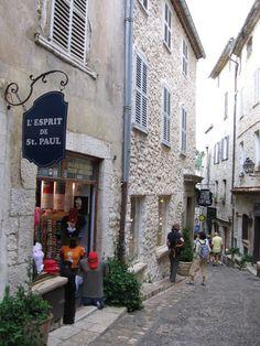 st paul provence | Encore! Life, | ♕ | St-Paul-de-Vence alley, Provence | via...
