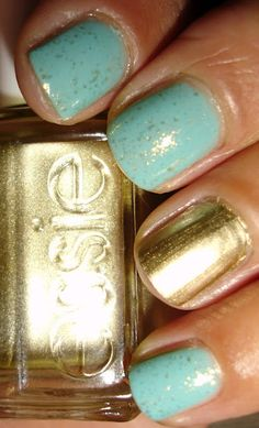 "My Chihuahua Bites!: Turquoise & Or ♥ Essie : ""Turquoise & Caicos"", ""As Gold asit gets"" & ""As good as gold"""