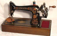 "1900 red eye singer | ... 1900's Singer 66 ""Redeye"" Sewing Machine - Pristine Condition - 1900"
