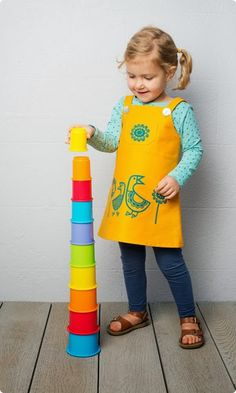 Clothkits - Girls Dress Sewing Pattern - for the whole kit to make this - screen printed fabric, lining, buttons and thread! Pinny Dress, Kids Outfits, Cool Outfits, Dressmaking, Kids Fashion, Sewing Patterns, Quack Quack, Girls Dresses, Yellow
