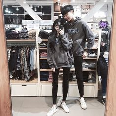 Images and videos of ulzzang couple Matching Couple Outfits, Matching Couples, Mode Ulzzang, Ulzzang Girl, Fashion Couple, Kids Fashion Boy, Trendy Fashion, Korean Couple, Best Couple
