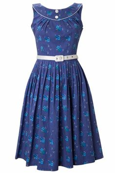 Sassy & Sweet Floral Swing Dress - Lilly is Love African Wedding Attire, African Attire, African Fashion Dresses, Simple Dresses, Casual Dresses, Girls Dresses, Cute Fashion, Girl Fashion, Vintage Fashion