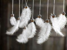 Tolle Winterdeko: Federn als Wunschflocken. >>Wunschflocken - Zauber