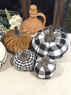 Fabric Pumpkins Tutorial How To - Junque Cottage. This awesome picture collections about Fabric Pumpkins Tutorial How To - Junque Cottage is available to d Theme Halloween, Fall Halloween, Halloween Crafts, Diy Pumpkin, Pumpkin Crafts, Velvet Pumpkins, Fall Pumpkins, Burlap Pumpkins, Autumn Crafts