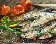 Sardines marinées menthe et citron : http://www.fourchette-et-bikini.fr/recettes/recettes-minceur/sardines-marinees-menthe-et-citron.html