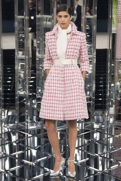 Classic Chic and Demure Haute Couture: 1960s Sweet Pastel skirt-suits at Chanel Spring 2017 #Couture #SS17 #PFW