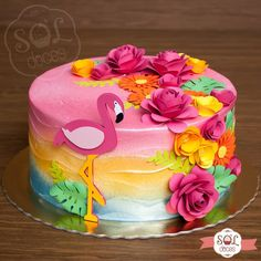 In love with this little flamingo model. 😍🌺🌹 Did you like the cake? Flamingo Party, Flamingo Birthday, Luau Party Cakes, Luau Theme Party, Hawaiian Birthday Cakes, Hawaiian Parties, Hawaiian Luau, Hawaiian Party Cake, Deco Cupcake