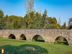 Visit Águeda and surrounding area and discover the beautiful Rio Marnel medieval bridge.  #portugal #agueda #medieval #bridge