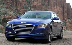 El Hyundai Genesis ha sido elegido por la Asociación de la Prensa del Automóvil uno de los tres finalistas para Coche del Año en Norteamérica 2015. Se une así a los otros dos finalistas que son el nuevo Ford Mustang y el Volkswagen GTI.