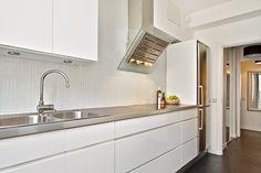 kök med glasmosaik - Google Search