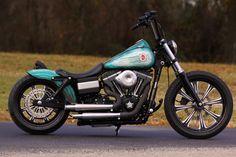 Harley Davidson Dyna, Harley Davidson Motorcycles, Cars And Motorcycles, Custom Harleys, Custom Bikes, Harley Night Train, Red Rocker, Dyna Super Glide, Custom Cycles