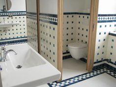 Salle-de-bain--replique-musee-Camondo-Paris-Ceramiques-du-Beaujolais-faience