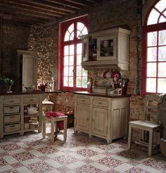 Cuisine décorée par la Collection Brocante - Copyright Interior's France Practical Magic House, Decoration, Primitive, Shabby Chic, Old Things, Rustic, Genre, Interior Design, Antiques