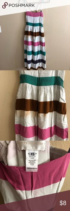 Anthropologie Midi Summer Dress Anthropologie Midi Summer Dress, gently used. I didn't pay attention to care instructions and slightly ruined the coloring when washing. Can be covered with a cardigan 😭 Anthropologie Dresses Midi