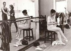 Margot Fonteyn Margot Fonteyn, Old Friendships, Ballet Images, Rudolf Nureyev, Ballet Dance, Ballet Shoes, Ballet Costumes, Modern Dance, The Incredibles