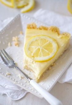 Lemon cream tart... Sometimes I just pin because it looks so beautiful