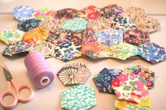 I realize site is in Norwegian. If you don't have an  automatic translator, go to babelfish or google other language sites for help. I believe you can just look at hese & know what to do. They would make lovely pillow covers, throws, or quilt tops. Enjoy!