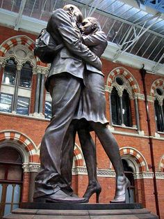 """The Meeting Place"" by Paul Day - St Pancras railway station - London Every station should have a statue like this!"