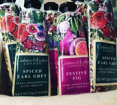 crema de manos de Crabtree & Evelyn fragancias: Spiced Earl Grey y Festive Fig de 8 a 4 euros. Solo hasta este viernes 24 de marzo.