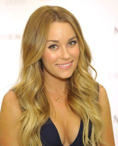 Wigsis Offers latest Blonde Wavy Remy Human Hair Comfortable Long Wigs for customer. You can find suitable long hair wigs or other fashion wigs including long blonde wigs here with fast shipping. Loose Curls Hairstyles, Summer Hairstyles, Easy Hairstyles, Blonde Wavy Hair, Short Curly Hair, Blonde Ombre, Ombre Hair, Blonde Balayage, Lauren Conrad Hair