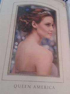 Oooh lovely picture of Queen America also found in The Barnes and Noble exclusive edition of The Heir!