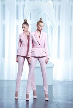 Nicolas Jebran is a couture designer from Lebanon, with fashion houses in the UAE and in Beirut. His latest collection is inspired by pastels and flowers - BellaNaija Weddings. Pink Fashion, Fashion Outfits, Womens Fashion, Style Work, My Style, Mode Rose, Mode Chic, Spring Summer 2015, Fall 2015