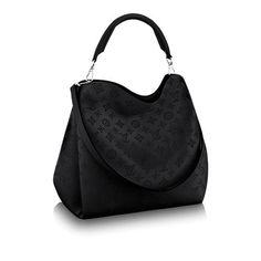 Discover Louis Vuitton Babylone GM: With the Babylone bag, the House introduces an updated version of Mahina calfskin. The intricate perforation work is more refined than ever, for an understated signature. Modern lines and sophisticated details, braided handle, contrast-edge dyeing and fashionable colours make the Babylone a pleasure to wear. Comfortable to carry on elbow or shoulder, this supple bag is surprisingly roomy.