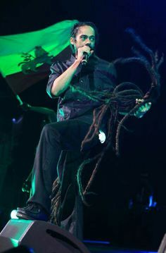 I like Damian Marley. Then again, it is hard not to.