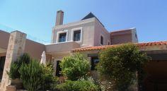Villa Lofos , Περιβόλια, Ελλάδα Crete Holiday, Villa, Mansions, House Styles, Home Decor, Decoration Home, Room Decor, Fancy Houses, Villas