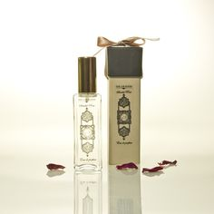 Sandal Rose Eau de Parfum The Lab Room 60 ml. A mystic parfum that combines a classic Western scent with accents of the East Indies. Perfume, Moorish, Orange Blossom, Smell Good, Packaging Design, Mystic, How To Draw Hands, How To Memorize Things, Lipstick