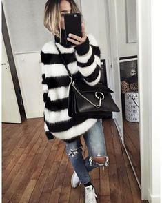 ✔️✔️ Pic : Tag your friends who like this style! ________________________________________________ Check link in bio Outfits With Hats, Mode Outfits, Winter Outfits, Casual Outfits, Fashion Outfits, Fashion Trends, Outfits Inspiration, What To Wear Today, Love Jeans