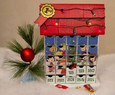 Snoopy Charlie Brown Christmas Peanuts Advent calendar. #decoartprojects
