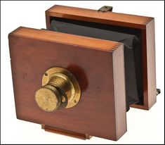 Anthony Eureka / Perry Mason Companion Camera. c. 1890 http://www.antiquecameras.net/
